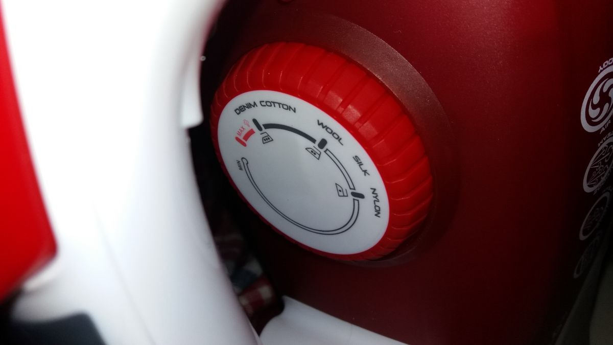 Первый в мире утюг с пропеллером! Обзор Hoover TIF 2800