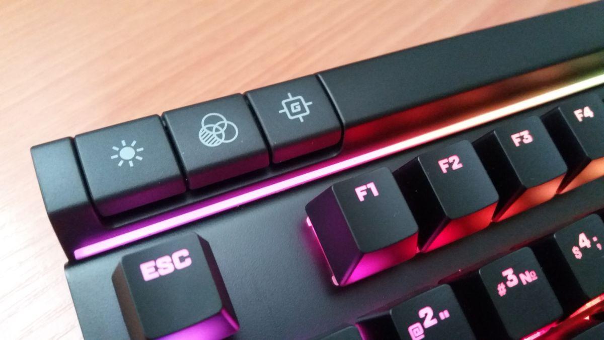 Элитная радуга: обзор игровой клавиатуры HyperX Alloy Elite RGB