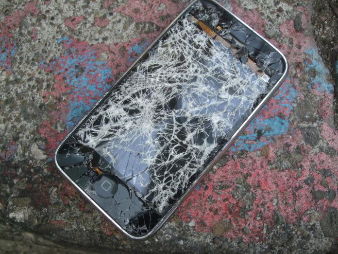 Производство iPhone остановлено из-за использования несертифицированных компонентов