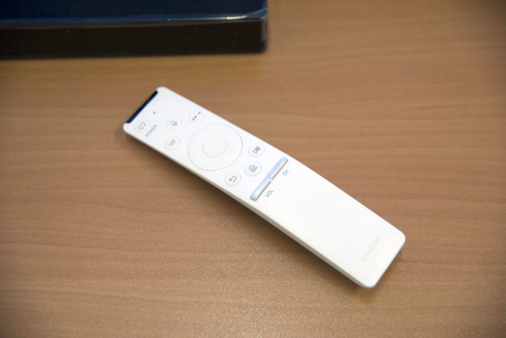 Samsung UE55LS003AU пульт с голосовым помощником