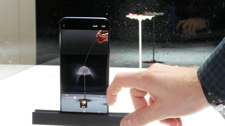 Как и актуальные смартфоны от Sony, Galaxy S9 тоже может вести супер-замедленную съемку со скоростью 960 кадров в секунду