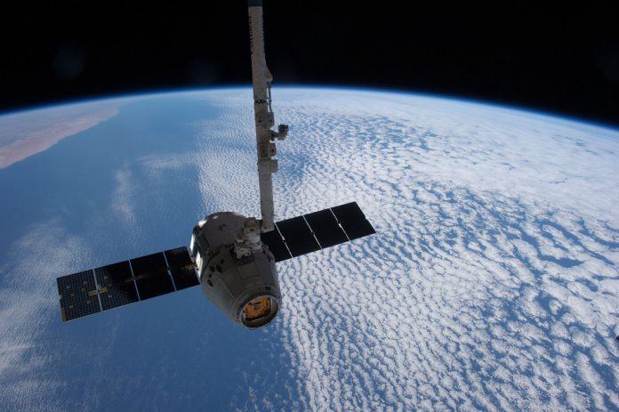 Над Землей появились первые незаконные спутники