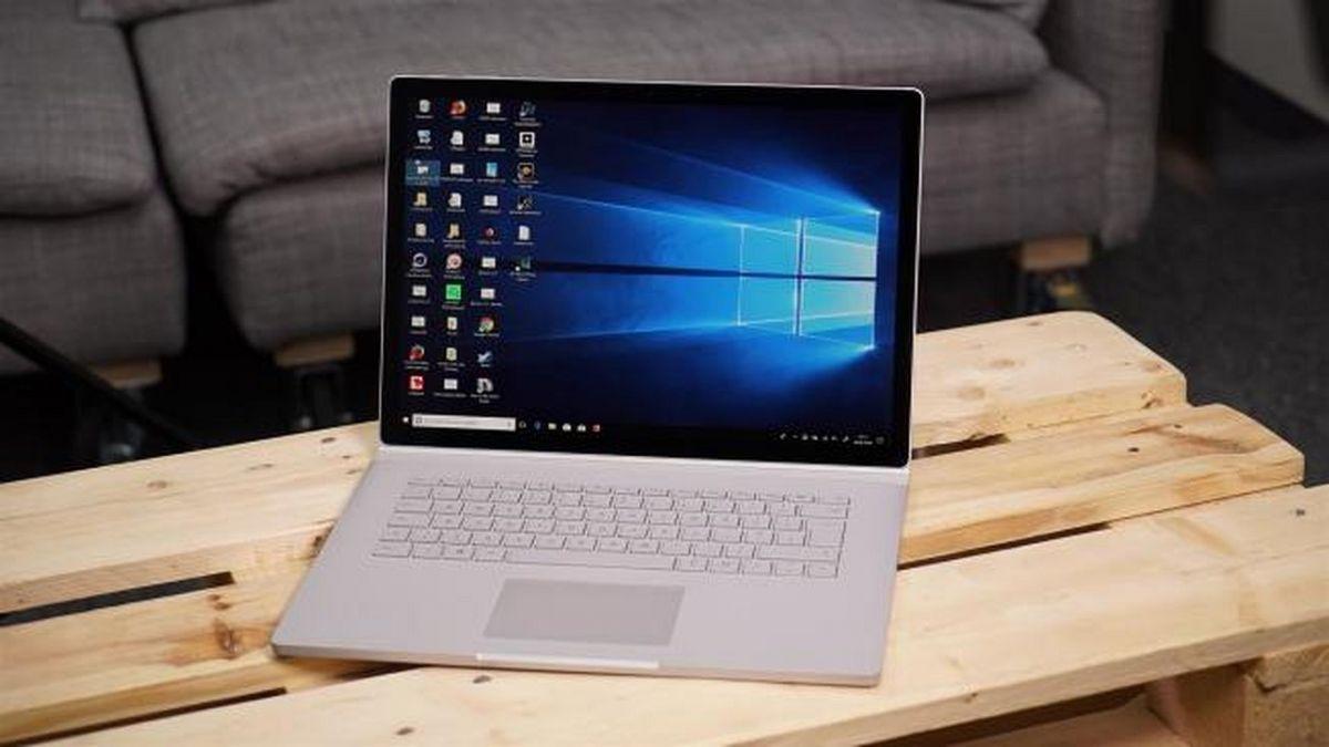 Surface Book 2 может заряжаться через разъем Surface Connect или порт USB Type-C