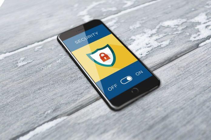 Российские правоохранители смогут взломать любые iPhone и Android-смартфоны