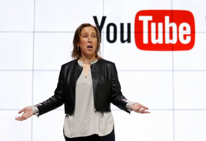 YouTube будет добавлять кконспирологическим видео ссылки на«Википедию»
