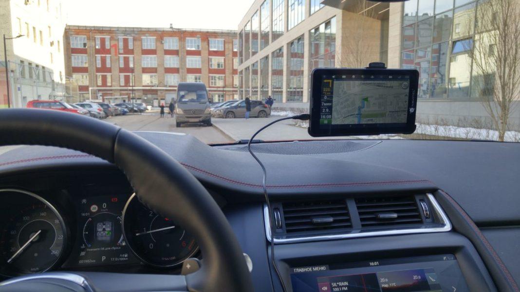 Обзор навигационного планшета NAVITEL T700: удобный помощник в дороге