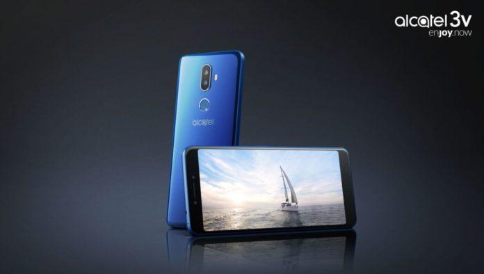 Начались российские продажи доступных смартфонов Alcatel 5 и Alcatel 3V