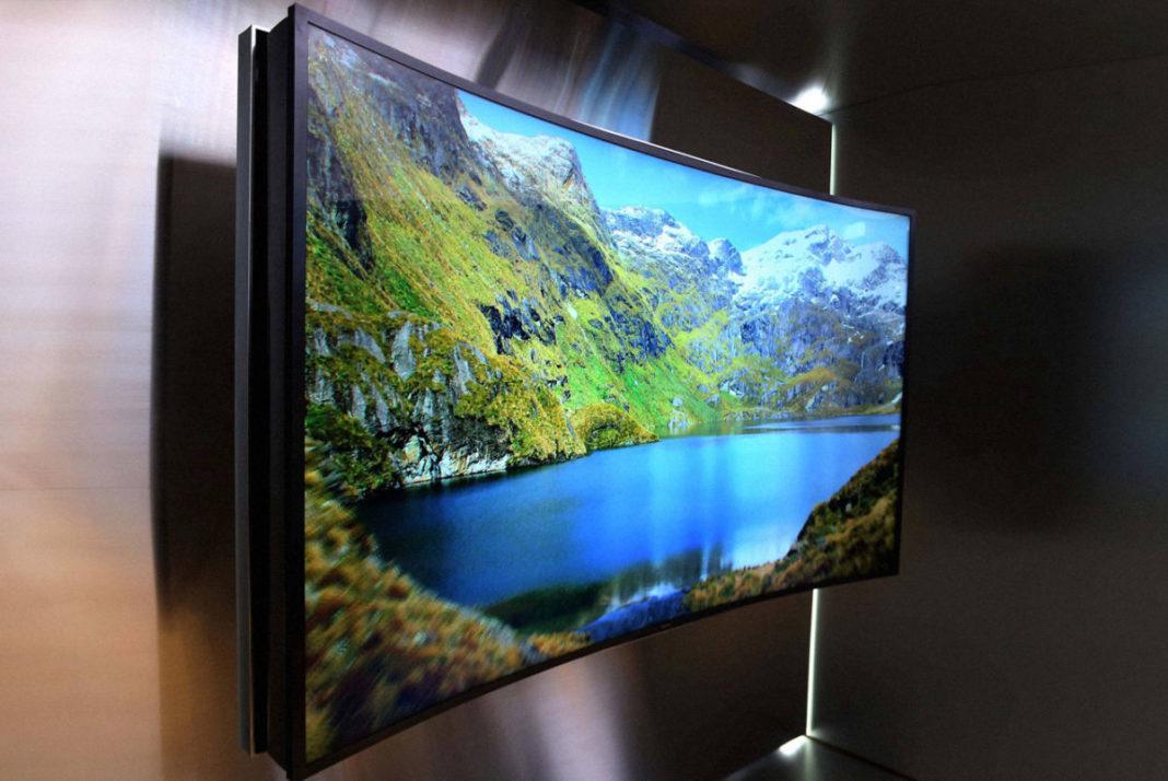 Curved TV: В чем преимущества изогнутых телевизоров?