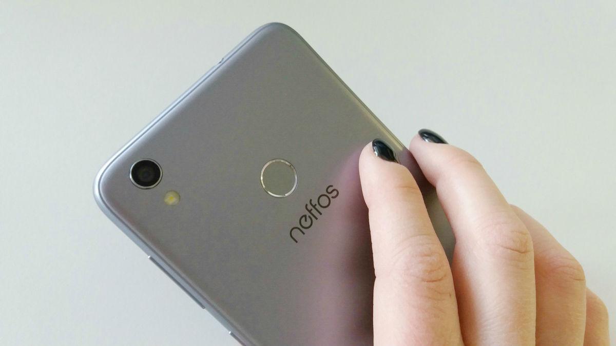 Обзор Neffos C7: бюджетный смартфон для селфи с большим экраном