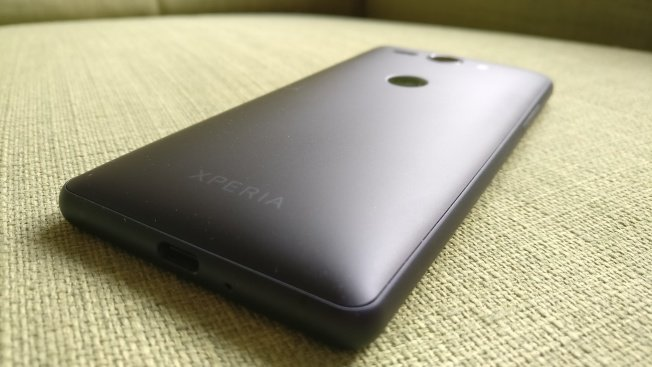 Тест смартфона Sony Xperia XZ2 Compact: топовая производительность в мини-формате