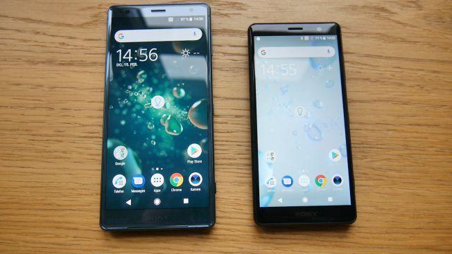 Sony Xperia XZ2 Compact (слева) в сравнении с XZ2