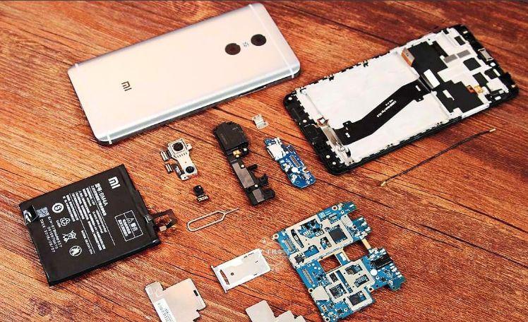 Благодаря своей простоте и доступности запасных частей телефоны Xiaomi наиболее оптимальны для ремонта и замены компонентов