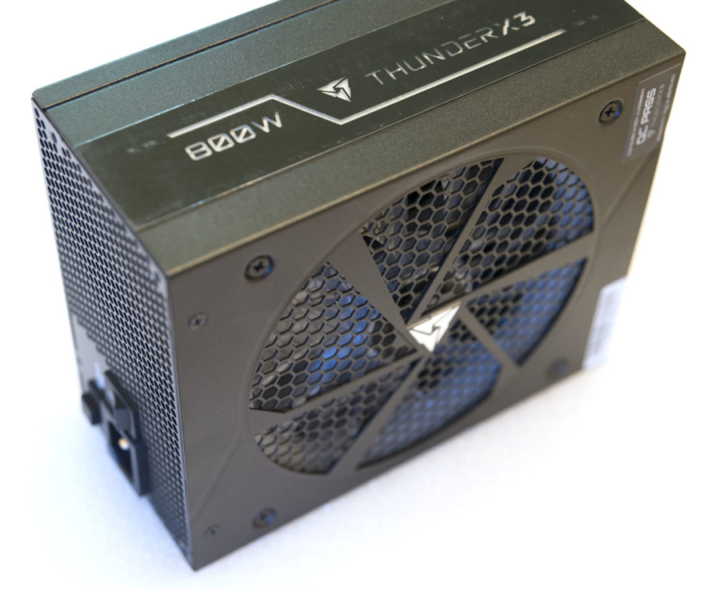 Обзор и тестирование блока питания ThunderX3 Plexus 800