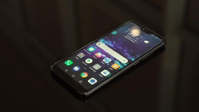 тест и обзор Honor 10 смартфон который мерцает Chip