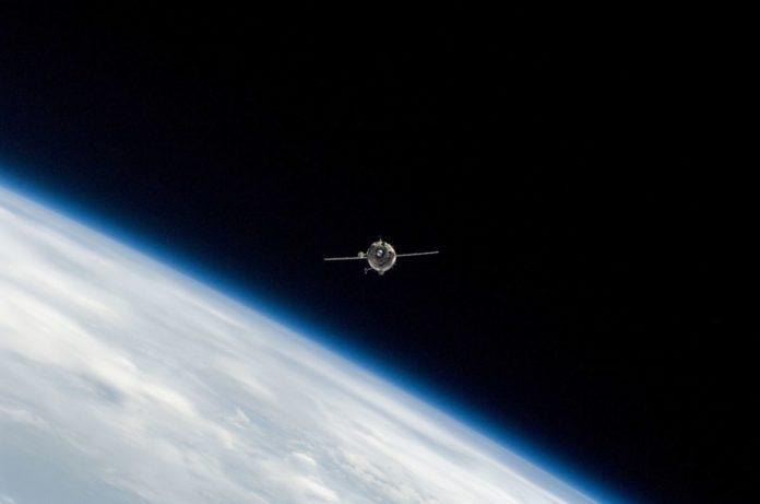 Роскосмос обеспечит высокоскоростным интернетом всю планету