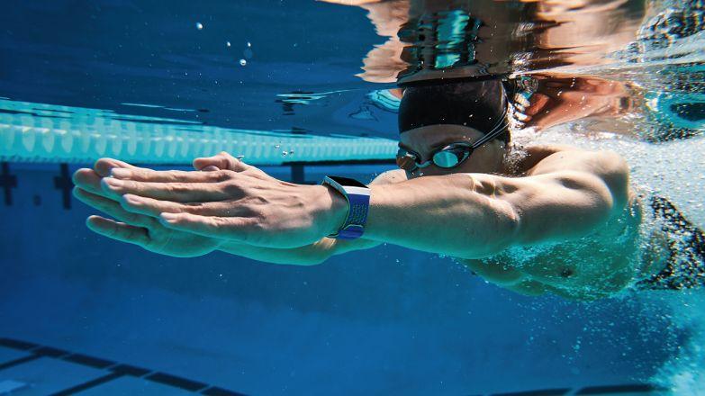 водонепроницаемый фитнес-браслет для пловцов
