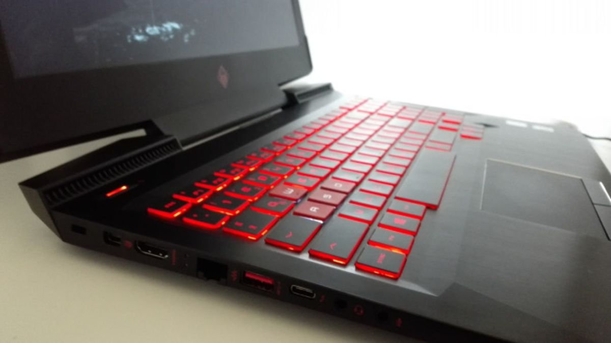 USB 3.1, Mini-DisplayPort, Thunderbolt — интерфейсами HP Omen 15 вовсе не обделен