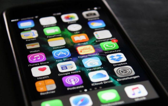 Роскомнадзор угрожает Apple закрытием App Store