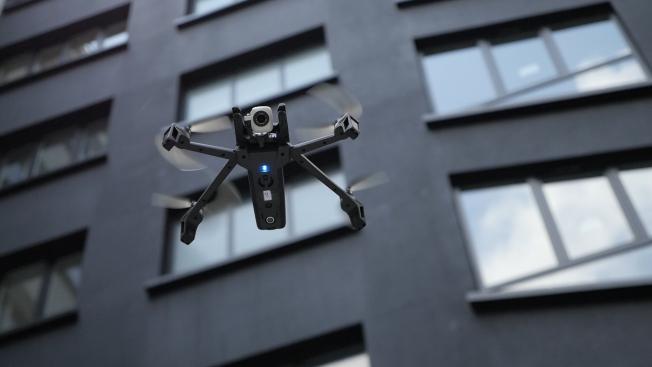 Parrot Anafi: сенсор приближения к земле и GPS для полетов внутри и снаружи