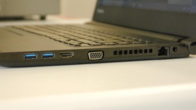 Тест и обзор ноутбука Toshiba Satellite Pro R40-C-132: с разъемами для всего