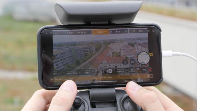 Parrot Anafi: «проходы» камеры и Live-предпросмотр возможны через приложение