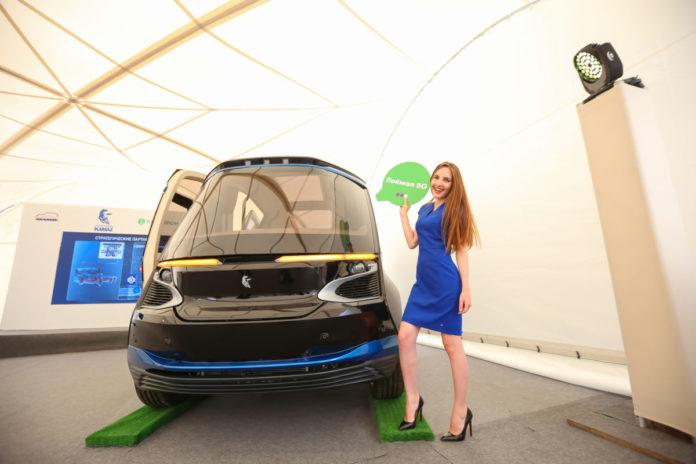 КамАЗ представила первые беспилотные автобусы ШАТЛ с 5G