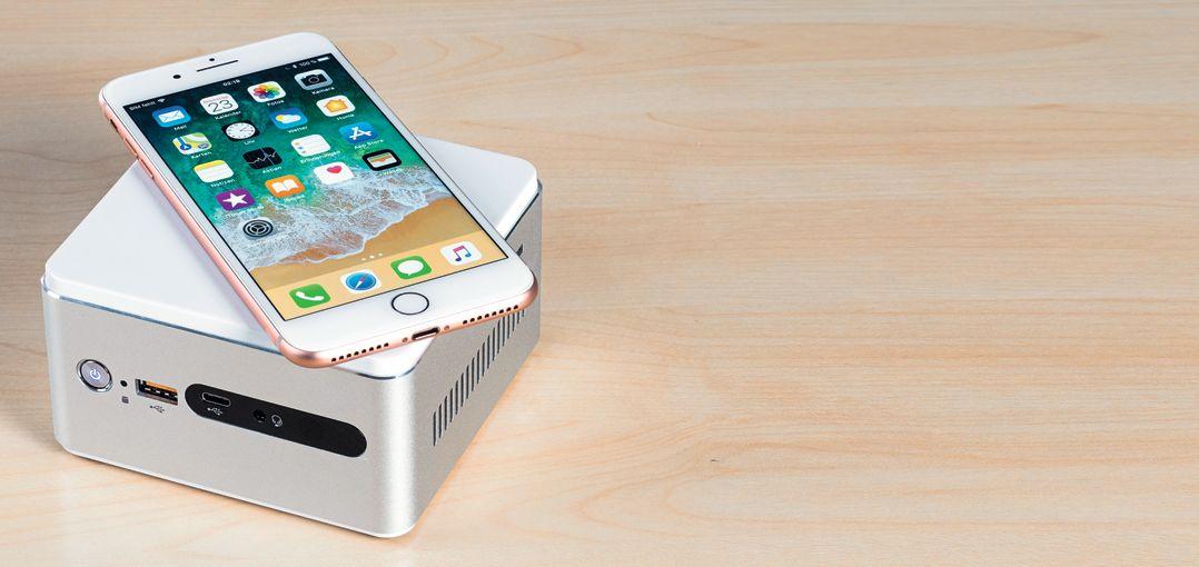 В Acer Revo можно установить модули беспроводной зарядки для смартфонов и внешние накопители