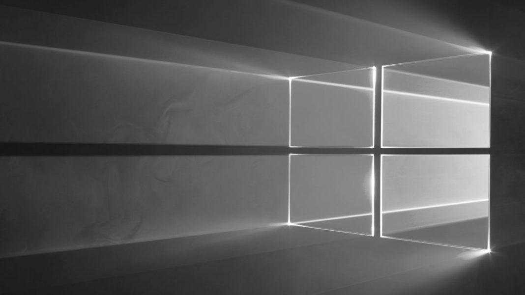 Интерфейс Windows 10 стал черно-белым – что делать?