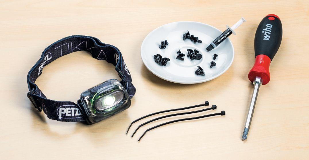 Кроме крестовой отвертки PH2, особых инструментов не требуется. Полезные вспомогательные средства: налобный фонарик, блюдце для винтиков, кабельные стяжки и термопаста