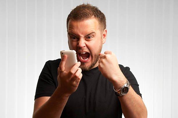 Тихое ограбление: как отключить подписки на Мегафоне, Билайне, МТС?