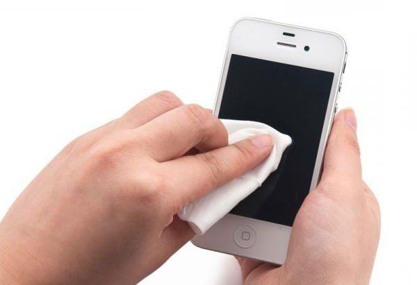Как правильно наклеивать защитную пленку на экран смартфона?