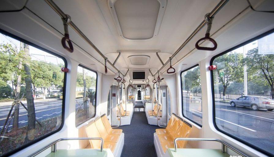 В Китае запустили электрический автопилотируемый автотрамвай