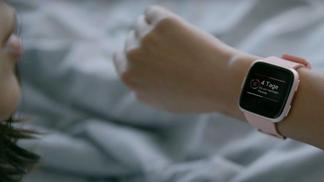 Тест и обзор Fitbit Versa: отличный женский фитнес-браслет, но без GPS