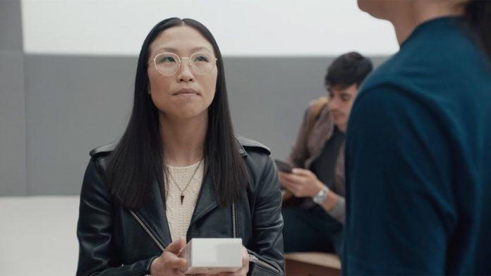 Самсунг продолжила высмеивать Apple в 3-х новых рекламных роликах