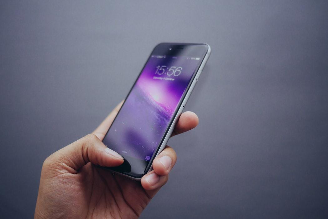 Тест: легко ли вам «впарить» поддельный iPhone?