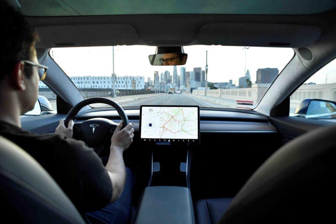Более 100 000 клиентов Tesla отменили заказы на Model 3