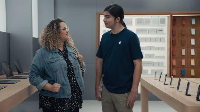 Samsung продолжает «троллить» Apple