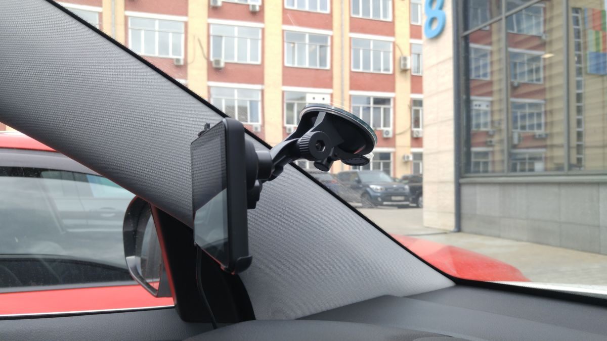 Обзор навигатора и видеорегистратора NAVITEL RE900: мастер на все руки