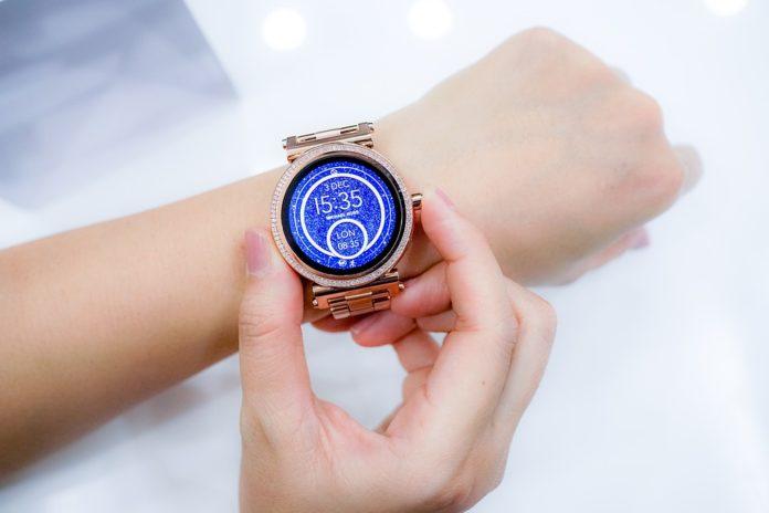 В России спрос на умные часы подскочил на рекордные 615%