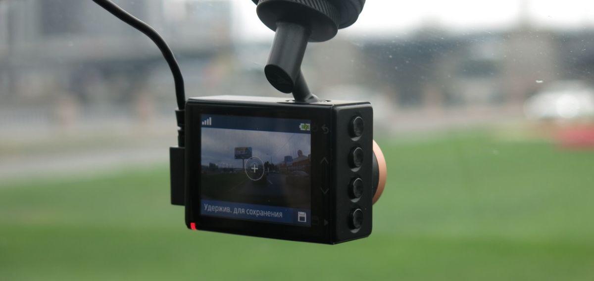 Мини-обзор видеорегистратора Garmin Dash Cam 45