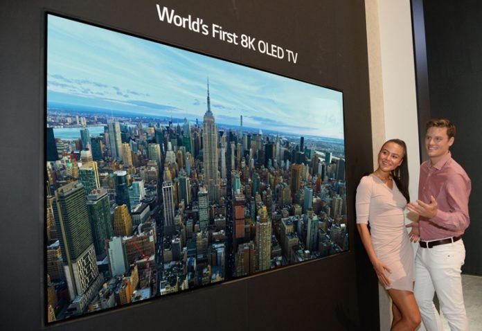 LG показала первый в мире 8K OLED-телевизор