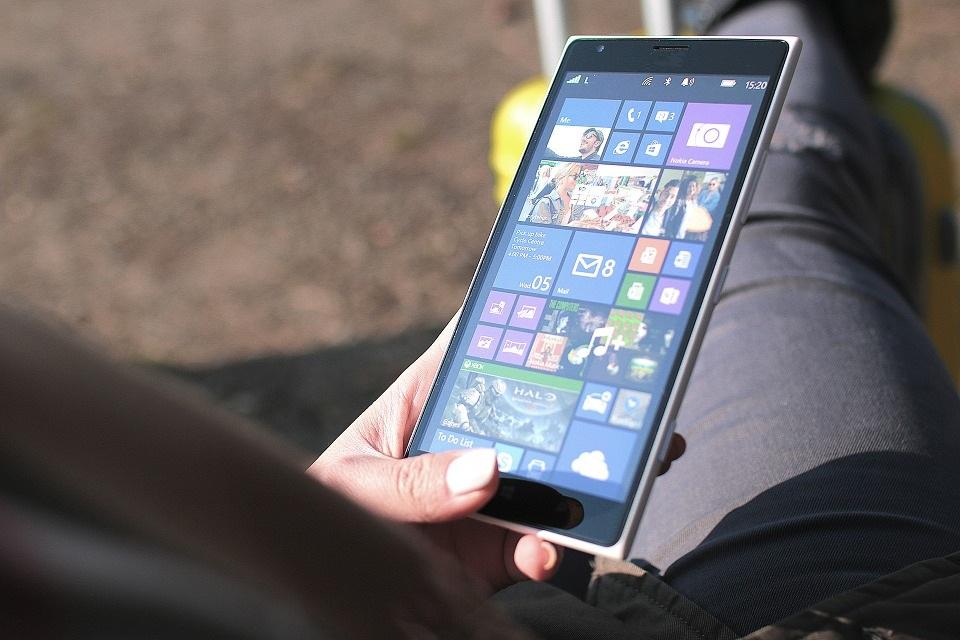 Уже осенью: Windows 10 на процессорах мобильных телефонов