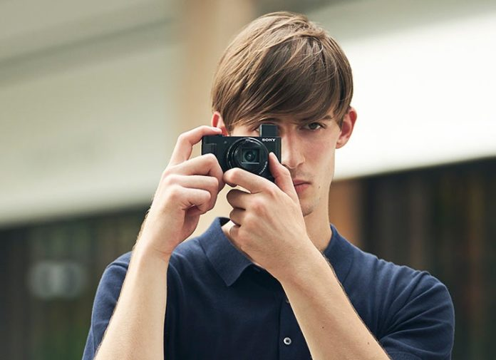Sony представила самую маленькую в мире камеру с ультразумом
