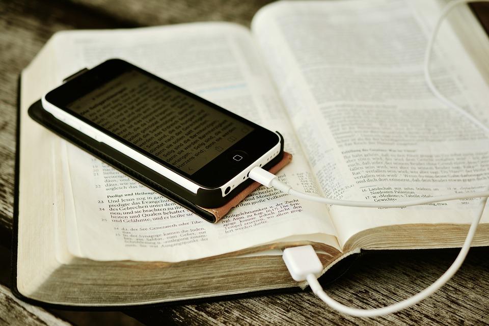 Топ 10 сайтов где можно скачать книги бесплатно | интернет.