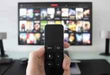 смотреть фильмы на телевизоре