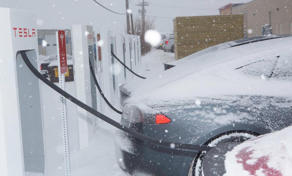 Когда лыжи не едут: как работают электромобили зимой