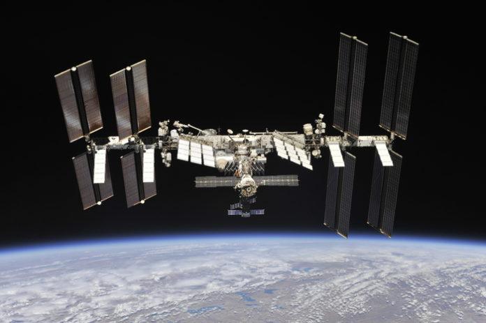 В сети появились уникальные снимки МКС