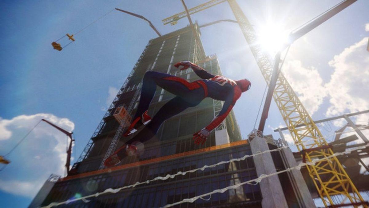 Много дел: Человек-паук обезвреживает гангстеров на стройке. Фото: Sony