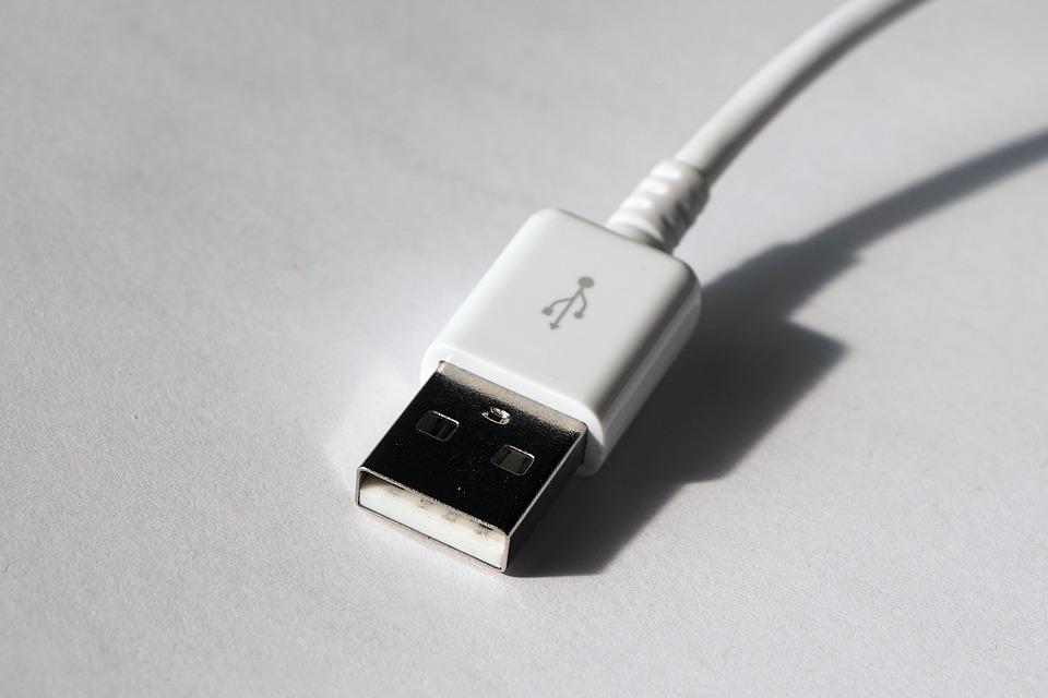Как всегда вставлять USB с первого раза? Невероятный лайфхак