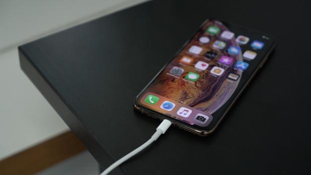 Новый iPhone заряжается слишком долго